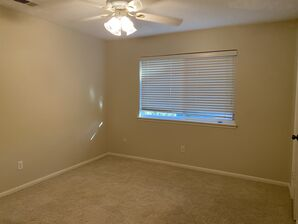 Before & After Wallpaper Removal & Interior Painting in Spring, TX (4)