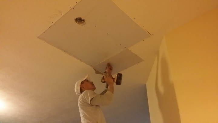 Before and After Drywall Repair of a Ceiling and Repainting by Mendoza's Paint & Remodeling