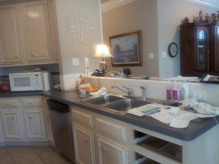 Cabinet Refinishing by Mendoza's Paint & Remodeling