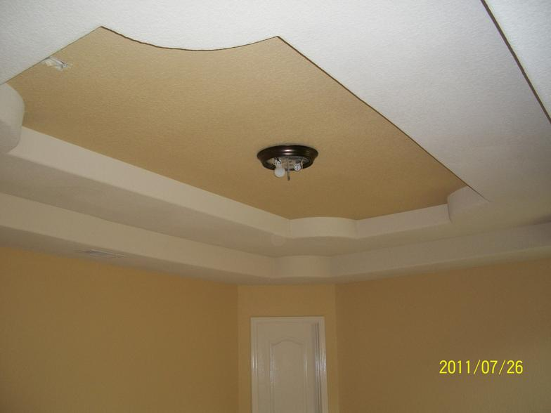 Dining room wall and ceiling painting in Houston TX by Mendozas Paint & Remodeling